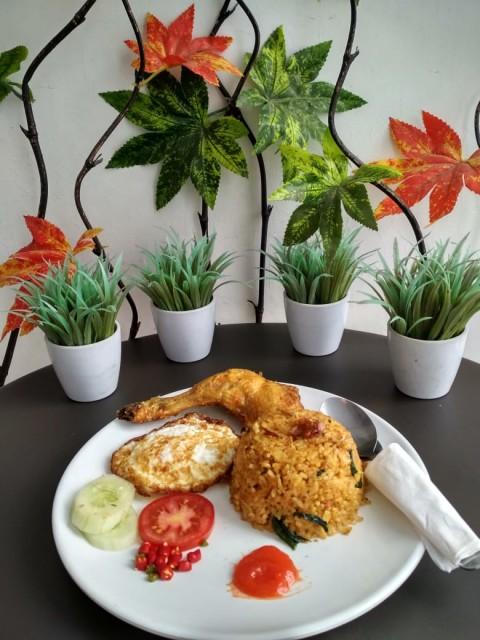 Nasi Goreng Ayam Special - - -
